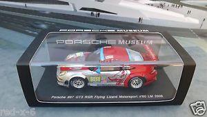 【送料無料】模型車 モデルカー スポーツカー ポルシェグアテマラ#フライングリザードルマンporsche 911 997 gt3 rsr 80, flying lizard lemans 2009, 143, neuwertig