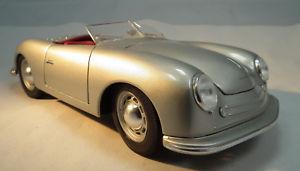 【送料無料】模型車 モデルカー スポーツカー ポルシェスケールロードスターモデルカーporsche 1 typ 356 roadster 1948 im mastab 118 modellauto von maisto