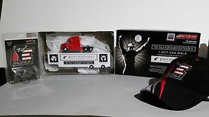 【送料無料】模型車 モデルカー スポーツカー デイルアーンハートホーラレガシーneues angebot dale earnhardt foundation feed the children hauler 164, legacy car hat