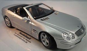 【送料無料】模型車 モデルカー スポーツカー ベンツクラスカブリオレスケールモデルカーmercedesbenz slclass cabrio 2001 im mastab 118 modellauto von maisto