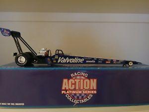 【送料無料】模型車 モデルカー スポーツカー アクションジョーアマート124 action 1994 joe amato valvoline nhra fuel dragster rare