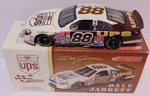 【送料無料】模型車 モデルカー スポーツカー サインデイルジャレットアクションレースカースケール2001 dale jarrett signed autographed ups nascar action race car 124 scale amp; coa