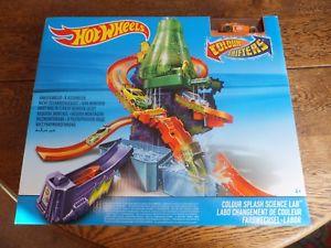 【送料無料】模型車 モデルカー スポーツカー ホットホイールカラーチェンジスプラッシュhot wheels colour shifters color splash science lab childs toy ages 4