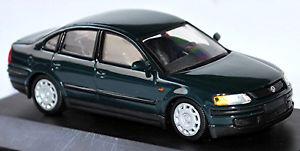 【送料無料】模型車 モデルカー スポーツカー フォルクスワーゲンフォルクスワーゲンパサートセダンタイプグリーングリーンvw volkswagen passat limousine b5 typ 3b 19962000 grn green 143 schuco