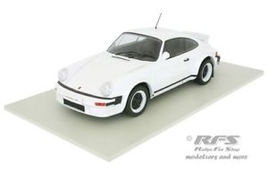【送料無料】模型車 モデルカー スポーツカー ポルシェカレラバージョンネットワークporsche 911 sc carrera 1982 plain boday version weiss white 118 ixo 18cmc007