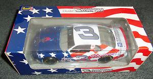【送料無料】模型車 モデルカー スポーツカー #デイルアーンハートアトランタオリンピック 3 dale earnhardt nascar revell 1996 atlanta olympic 124 revell car