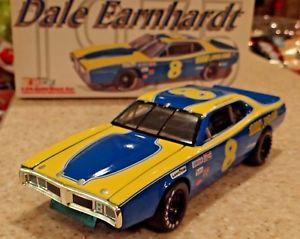 【送料無料】模型車 モデルカー スポーツカー アクションクラブデイルアーンハート#1999 action rcca club cwb124 dale earnhardt 1975 8 rpm dodge charger nib 124