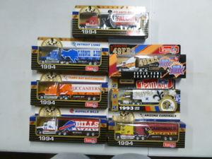 【送料無料】模型車 モデルカー スポーツカー マッチチームトランスポーターlot of 7 matchbox nfl team haulers transporters