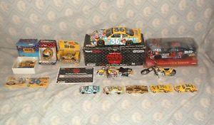 【送料無料】模型車 モデルカー スポーツカー ケンダイカスト#ツールken schrader diecast 36 mamp;ms halloween mac tools 124 amp; 164 cars nascar