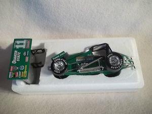 【送料無料】模型車 モデルカー スポーツカー アクションスティーブスプリントカーneues angebotaction steve kinser 11 1996 quaker state winged sprint car 124