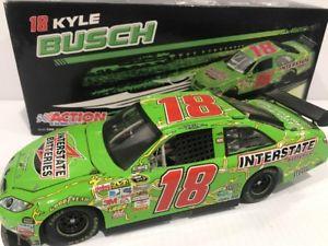【送料無料】模型車 モデルカー スポーツカー #カイルブッシュバッテリーカムリ2009 18 kyle busch interstate batteries camry