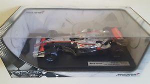 【送料無料】模型車 モデルカー スポーツカー ホットホイールスケールパブロモントーヤマクラーレンhot wheels 118 scale j2985 mclaren f1 mp421 jaun pablo montoya