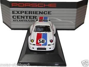 【送料無料】模型車 モデルカー スポーツカー ポルシェセンターアトランタスパークmuseum porsche 911 rsr brumos 1973 experience center atlanta la spark 143