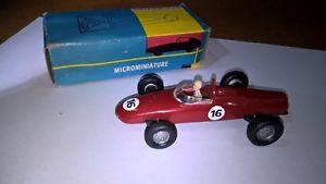 【送料無料】模型車 モデルカー スポーツカー フェラーリロッソコンスキャットpolitoys n57 ferrari 156 f1 141 plastica colrosso con scatoriginale