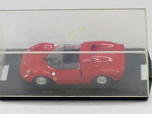 【送料無料】模型車 モデルカー スポーツカー フェラーリバージョンショーケースモデルボックスferrari 250 lm 1964 in rot, straenversion, mit vitrine, model box revell, 143