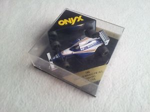 【送料無料】模型車 モデルカー スポーツカー ウィリアムズルノーテストオニキスデイモンヒルポーサインインonyx 143 1994 williams renault fw15c test damon hillcase not bestfree sign po
