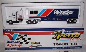 【送料無料】模型車 モデルカー スポーツカー ジョーアマートレースイメージミントレーシングトランスポーター1992 joe amato racing transporter made by ertl for race image absolute mint