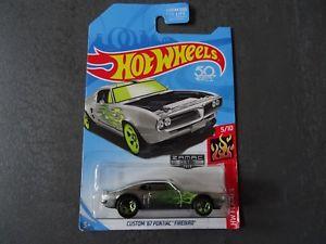 【送料無料】模型車 モデルカー スポーツカー ホットホイールカスタムポンティアックバージョンロングカードhot wheels custom 67 pontiac firebird zamac version long card sealed