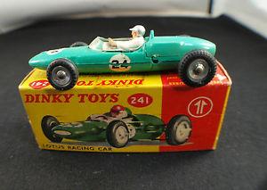 【送料無料】模型車 モデルカー スポーツカー ロータスフォーミュラレースカーneues angebotdinky toys n 241 lotus formula 1 racing car en boite