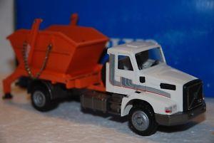 【送料無料】模型車 モデルカー スポーツカー コンラッドトラックボルボ150 conrad camion volvo nl10