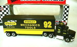 【送料無料】模型車 モデルカー スポーツカー マッチフォードスタンレーツールmatchbox convoy cy109 ford aeromax transporter stanley tools