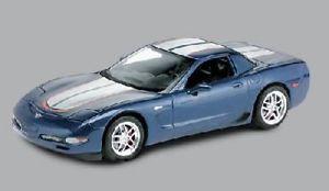 【送料無料】模型車 モデルカー スポーツカー シボレーコルベットキットモノグラムchevrolet corvette z o6, 2004 kit monogram 125 n 12827