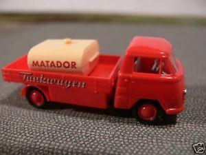 【送料無料】模型車 モデルカー スポーツカー タンクトラック187 epoche matador i tankwagen 1959 10318
