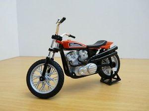 【送料無料】模型車 モデルカー スポーツカー ヒートハーレーダビッドソンレーシングバイクmoto harley davidson xr750 racing bike 118