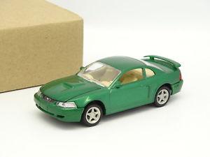 【送料無料】模型車 モデルカー スポーツカー フォードムスタングx concepts sb 143 ford mustang gt 2002 verte