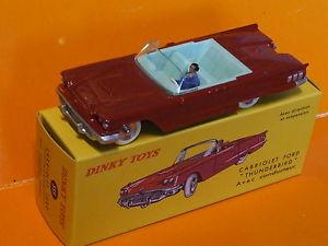 【送料無料】模型車 モデルカー スポーツカー スケールフォードサンダーバード143 scale dinky toys ford thunderbird by deagostini