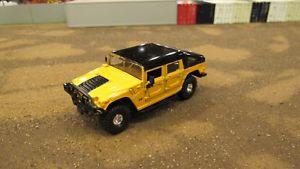 【送料無料】模型車 モデルカー スポーツカー プロファイルディープイエローハンマーjada rare high profile 5deep yellow hummer h1 used loose but very nice 164