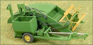 【送料無料】模型車 モデルカー スポーツカー ホ#キットho 187 ghq 60006 green 1940s 12a grain harvester combine kit