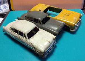 【送料無料】模型車 モデルカー スポーツカー ロットダイカストプラスチックブリキmixed lot 3 old vtg toy cars, 1 yellow diecast hubley amp; 2 plastic and tin cars