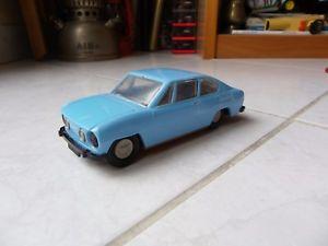 【送料無料】模型車 モデルカー スポーツカー シュコダミニチュアプラスチックskoda s110r 110r 130 rapid bleue ddr rda jouet miniature ancien plastic