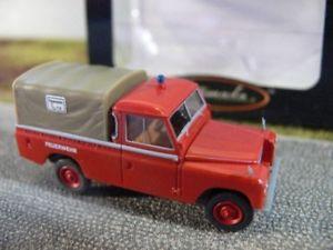 【送料無料】模型車 モデルカー スポーツカー ランドローバー187 brekina land rover 109 feuerwehr starmada 13757