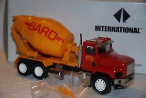 【送料無料】模型車 モデルカー スポーツカー コンラッド150 conrad camion betoniera international 3 assi