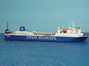 【送料無料】模型車 モデルカー スポーツカー ジュニアフェリーrhenania junior schiff 11250 nl rorofhrschiff scotia seaways rhe j 291 a