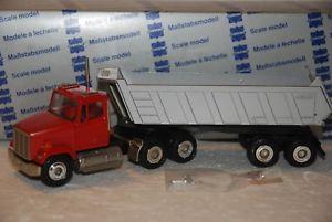 【送料無料】模型車 モデルカー スポーツカー コンラッドフレートライナー150 conrad camion rimorchio freightliner