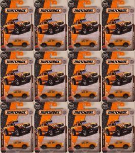 【送料無料】模型車 モデルカー スポーツカー マッチ#シボレーコロラドトラックロット