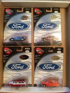 【送料無料】模型車 モデルカー スポーツカー 100 hot wheels 2002 set of 4 ford gt40 mustang passion on cards