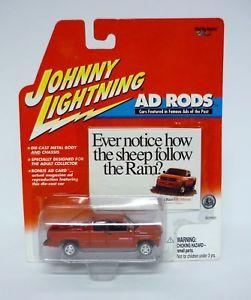 【送料無料】模型車 モデルカー スポーツカー ジョニーダッジラムロッドjohnny lightning 2000 dodge ram 2500 ad rods diecast car moc 2001