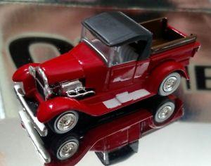 【送料無料】模型車 モデルカー スポーツカー ヴィンテージフォードモデルピックアップトラックゴムタイヤ