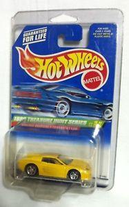 【送料無料】模型車 モデルカー スポーツカー ホットホイール#イエローフェラーリトレジャーハントベースhot wheels 1999 933 yellow ferrari f512m treasure hunt non painted base
