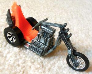 【送料無料】模型車 モデルカー スポーツカー ヴィンテージホットホイールトルクモータサイクルvintage 1970s redline hot wheels rumblers torque chop motorcycle rrrumblers