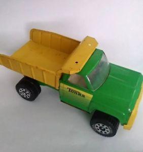 【送料無料】模型車 モデルカー スポーツカー ヴィンテージダンプトラックダンプトラックグリーンアンプ