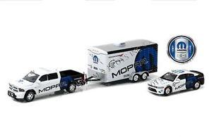【送料無料】模型車 モデルカー スポーツカー ダッジラム2014 dodge ram 1500 amp; 2006 charger hellcat mopar 164 greenlight 51061 d