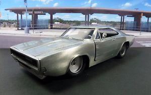 【送料無料】模型車 モデルカー スポーツカー ベアメタルjada fastfurious 7 doms 70 dodge charger rt124 bare metal