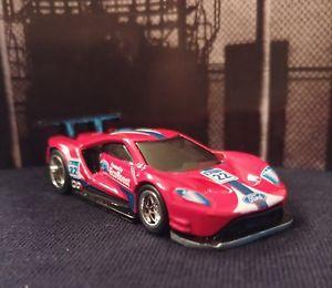 【送料無料】模型車 モデルカー スポーツカー レッドフォードレースホットホイールカスタムライダー2016 ford gt race red legends of speed 2018 hot wheels custom with real riders