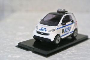 【送料無料】模型車 モデルカー スポーツカー ブッシュスマートフォーツーbusch 46213 smart fortwo nypd c9 nib