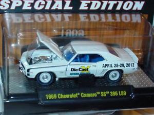 【送料無料】模型車 モデルカー スポーツカー マシンシボレーカマロショーm2 machines 1969 69 chevy camaro ss 2012 dcx show limited 1 of 492